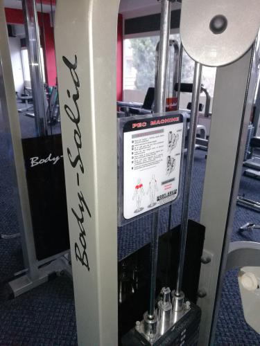 Posilovací stroj Body-Solid Pec-Deck
