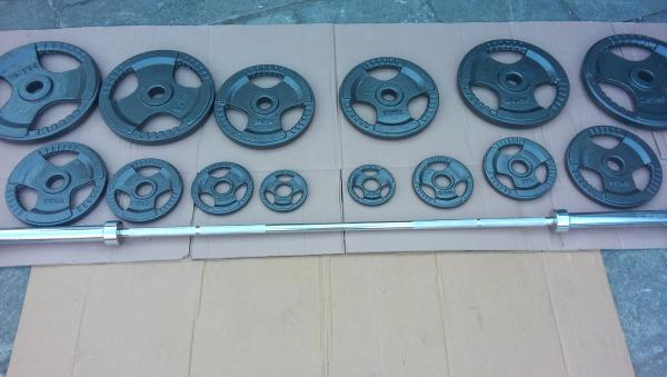 činka bench press 125 kg