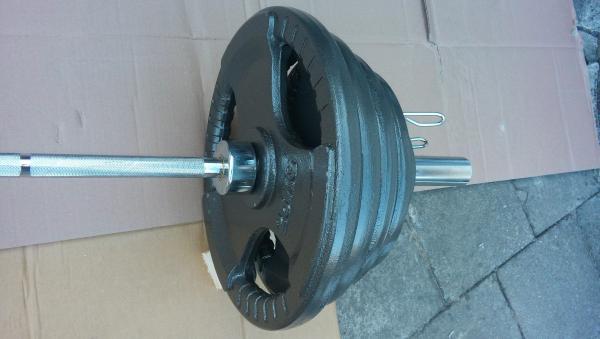 Olympíjská činka bench press 125 kg