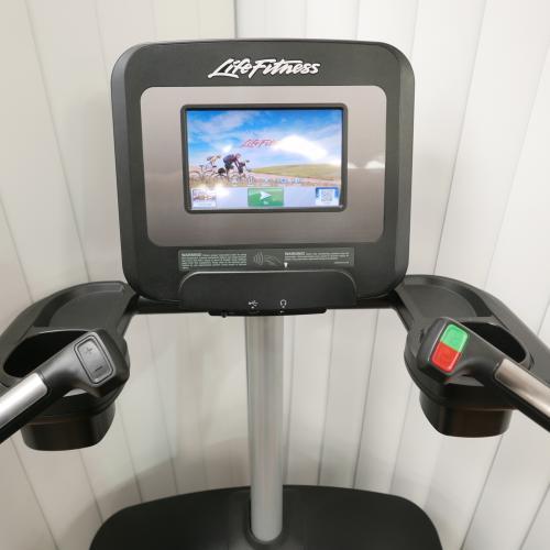 Life Fitness Discover SI powermill- 12 měsíců starý