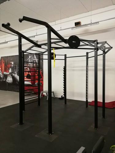 Konstrukce do fitness - oktagon (multi fit cage)