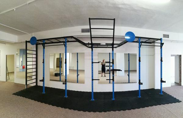 Konstrukce do fitness/posilovny