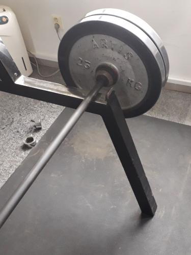 Profi olympijská činka ARTIS 180 kg