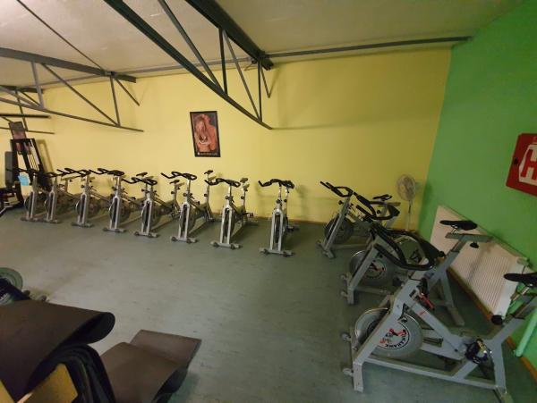 12 ks Indoor Cycling cyklotrenažeřů Tomahawk