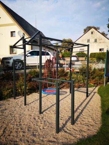 Workout hřiště - venkovní konstrukce na cvičení