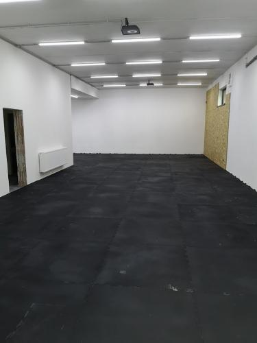 Sportovní gumová podlaha