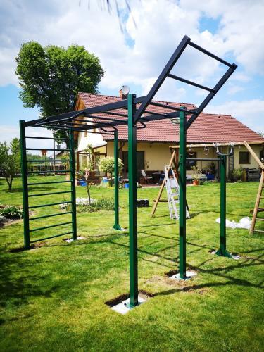 Venkovní workout hřiště/konstrukce na cvičení